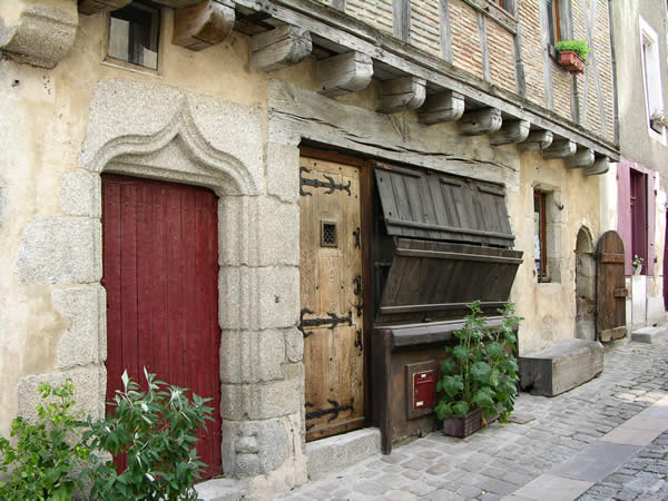 Parthenay mooie stad in Poitou-Charentes