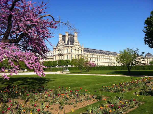 geniet van het voorjaar in Parijs