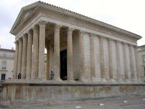 Nîmes, Maison Carrée