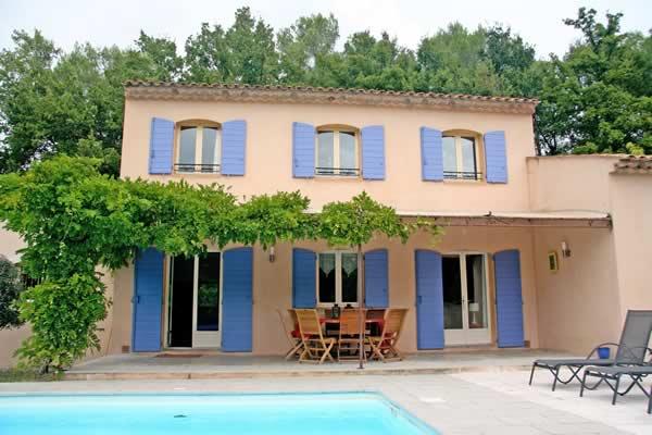 Huizen Verhuur Frankrijk : Tips voor een luxe vakantiehuis met zwembad in frankrijk