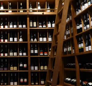 Wijn aan het Canal St Martin
