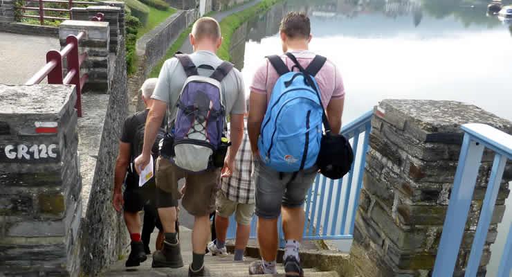 Wandelen langs de Maas bij Monthermé