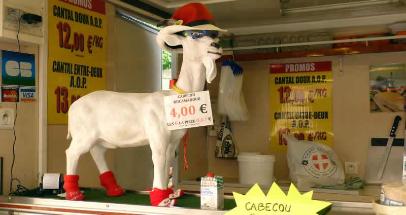 geitenkaas kopen op een Franse markt