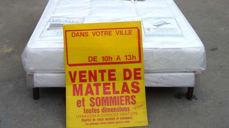 Matrassen op een Franse Markt