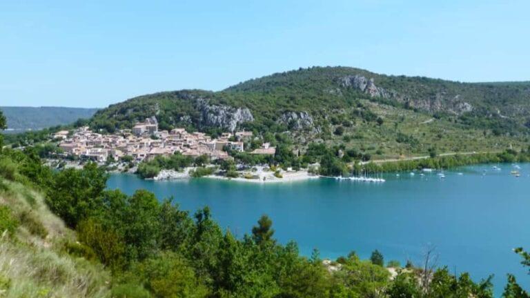 Naar Castellane bij de Gorges du Verdon en Lac de Sainte-Croix