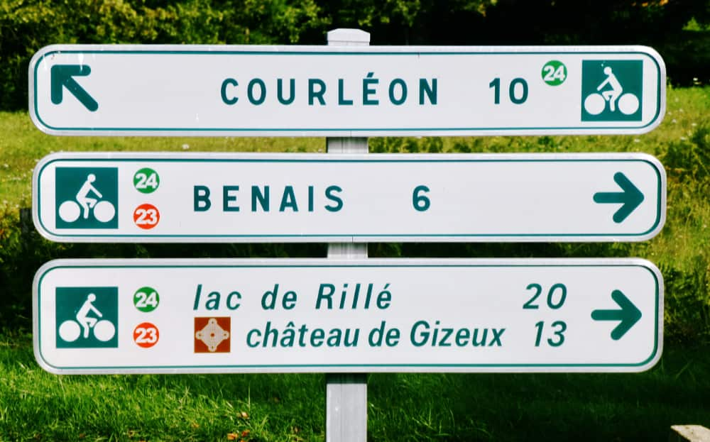 Routebord naar Lac de Rillé