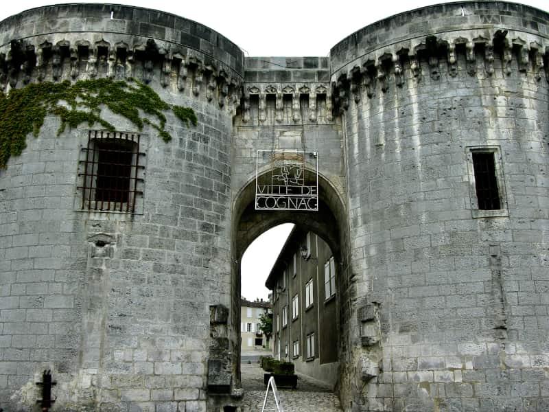 Stadspoort van het oude Cognac